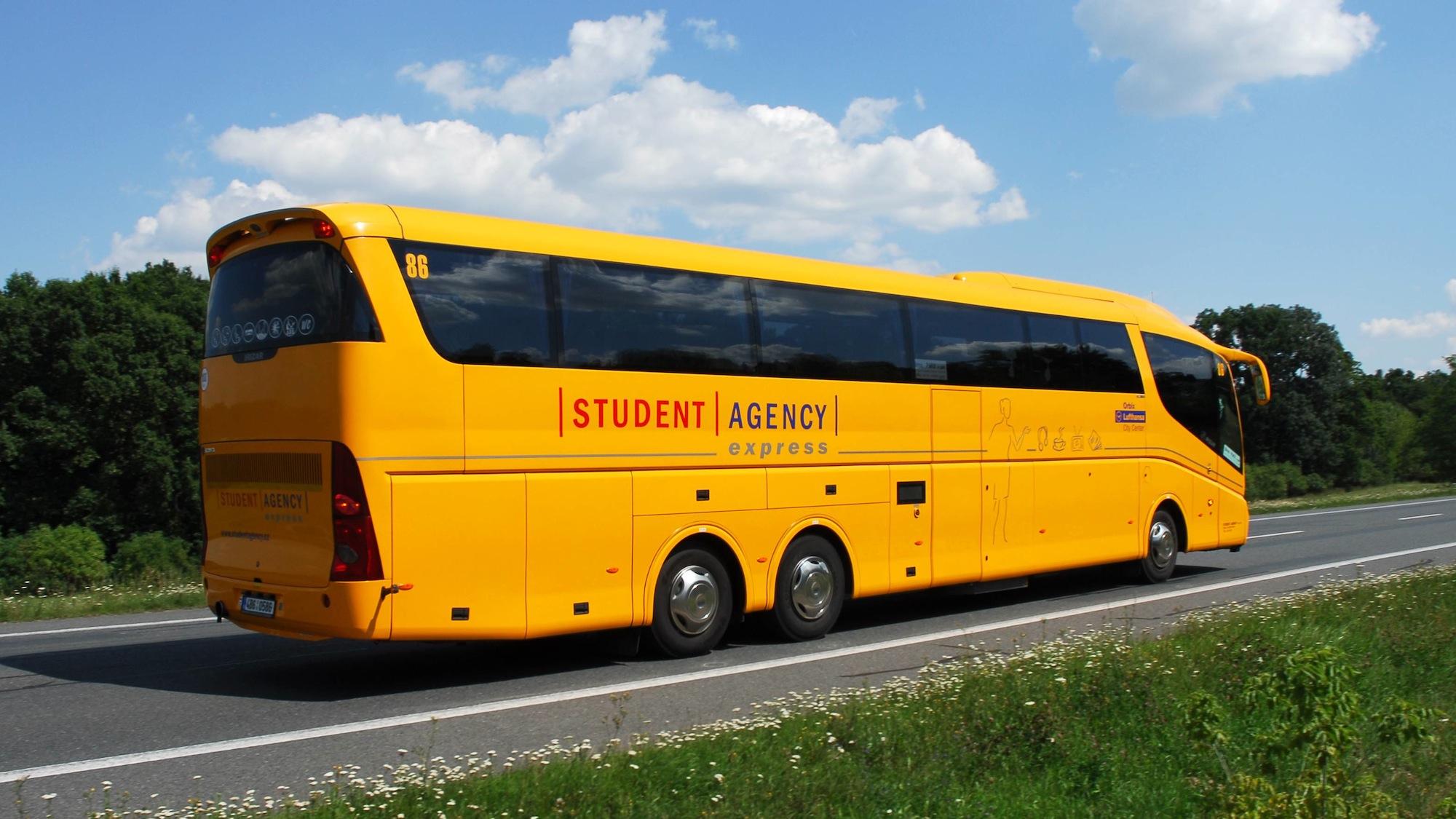 studentagency-cz-autobus-student-agency-zluty-doprava-1-orig.jpg