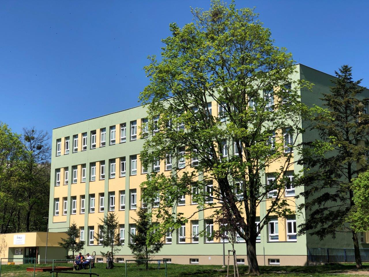 budova školy.jpg